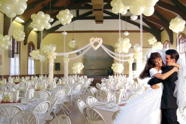Balloonacy Roseville Balloons - Balloons in Roseville - Balloonacy - Wedding - We pride ourselves on quality, elegance and attention to detail. From arches to centerpieces and everything in between, our professional creative team will design the wedding of your dreams.