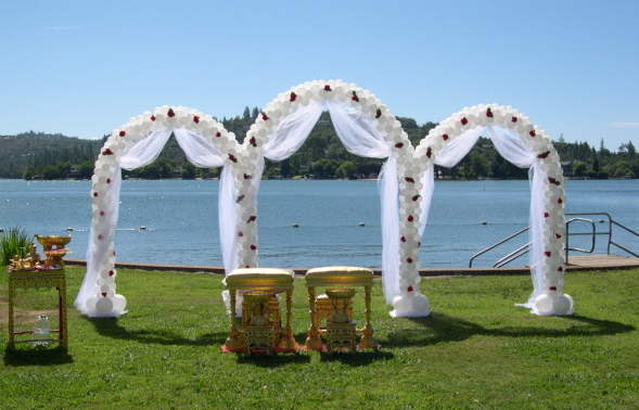 triple wedding arch will